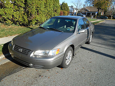 Toyota : Camry LE Sedan 4-Door 1999 toyota camry le sedan 4 door 3.0 l with factory moon roof new tires etc