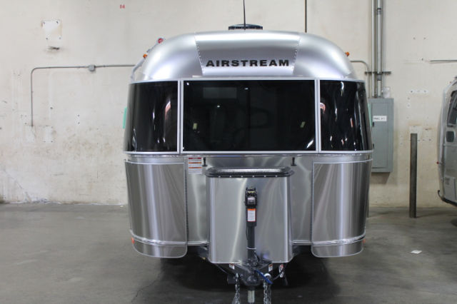 2016 Airstream International Serenity 27FB