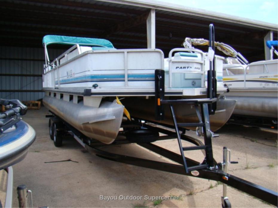 1994 Sun Tracker Party Barge 24 w/ 2015 EZ Loader Tandem Axle Trailer