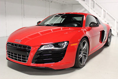 Audi : R8 2dr Coupe Automatic quattro 5.2L loaded Carbon fiber trim throughout