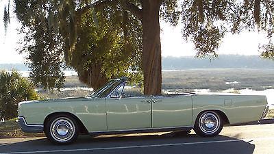 Lincoln : Continental CONTINENTAL 1966 lincoln continental convertible with suicide doors