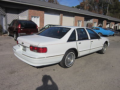 Chevrolet : Caprice Classic LS Sedan 4-Door 1994 chevy caprice ls 4 door 4.3 l v 8 56 k 2 owner miles leather alloys very nice