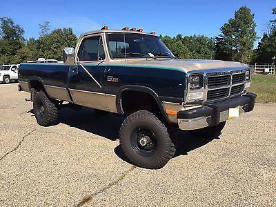 Dodge : Ram 2500 LE 4 x 4 cummins w 250 5 speed, 1