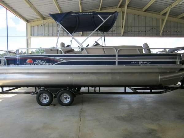 2015 Sun Tracker Fishing Barge 24 DLX
