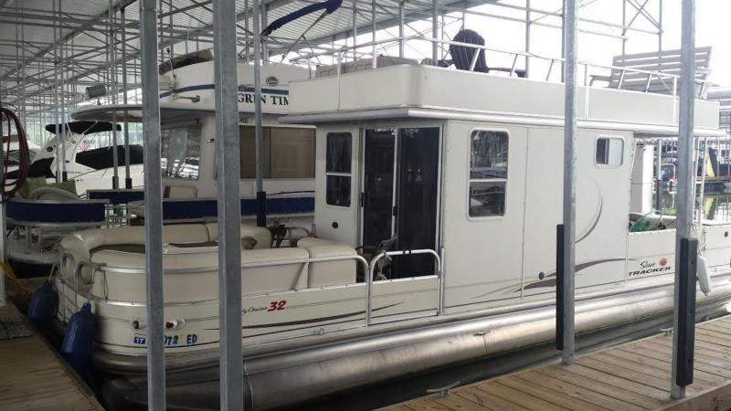32' 2007 Sun Tracker Regency Party Cruiser