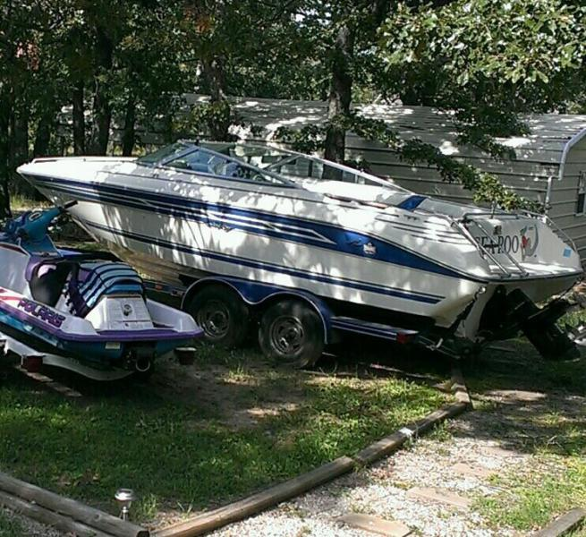 '91 Sea Ray, Inboard,Outboard, 250 hrs,like new