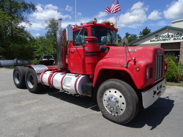 1987 Mack R688st