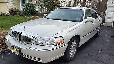 Lincoln : Town Car 2004 lincoln town car