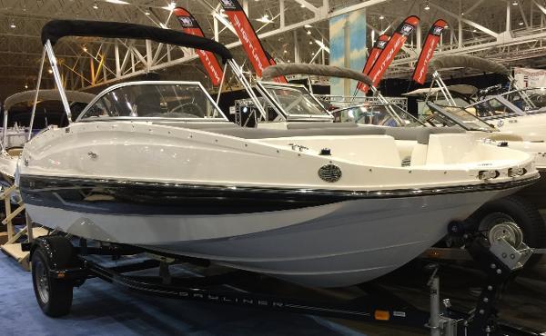2015 Bayliner 195 Deck Boat