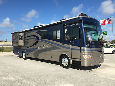 2007 Fleetwood Discovery 39V Diesel Pusher Class A Motorhome w/ full wall slide