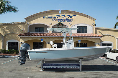 BRAND-NEW 2015 Sportsman Master 227 Bay Boat with Yamaha Power