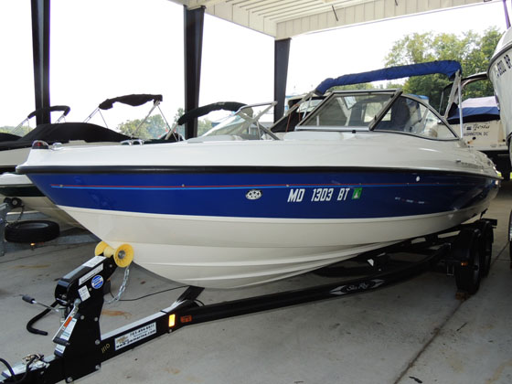 2006 Bayliner 225 BOW RIDER