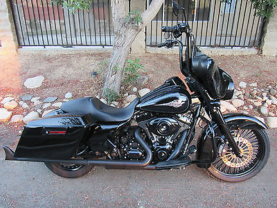 Harley Davidson Touring 2012 Blacked Out Bagger Electra Glide Street Loaded With