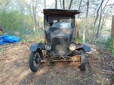 Ford : Model T Original, barn kept, no restoration done. As is
