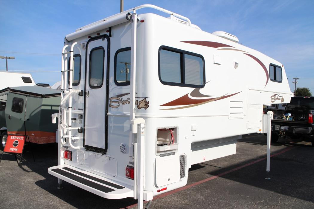 Bigfoot 2500 series 25c10 4 rvs for sale 2002 bigfoot 30mh29rq publicscrutiny Choice Image