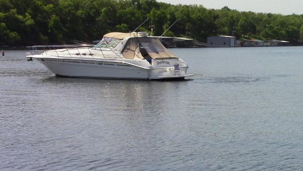 1997 Sea Ray 40 Express Cruiser
