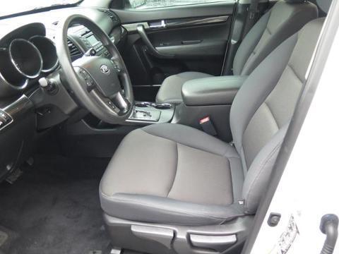 2013 KIA SORENTO 4 DOOR SUV