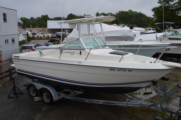 1998 Seaswirl 2150 WA