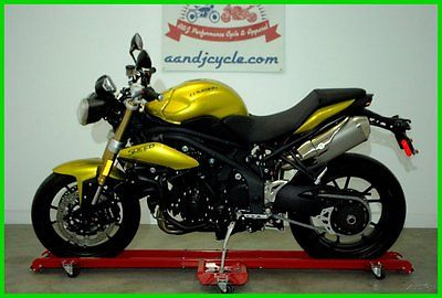 Triumph : Other 2013 speed triple abs only 21 miles never been registered
