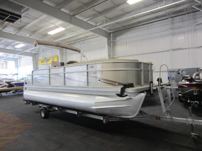 2012 Crest II 210 SF With Trailer and Low Hours!