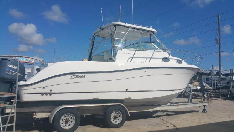 2004 Seaswirl Striper 2901 Walk
