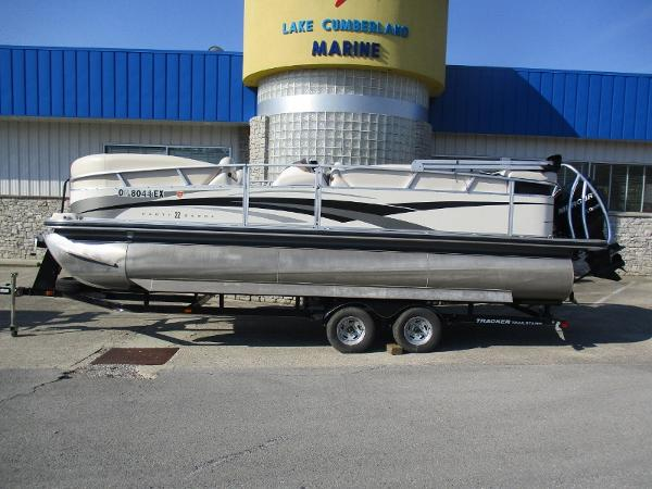 2008 Sun Tracker Regency 22 Party Barge