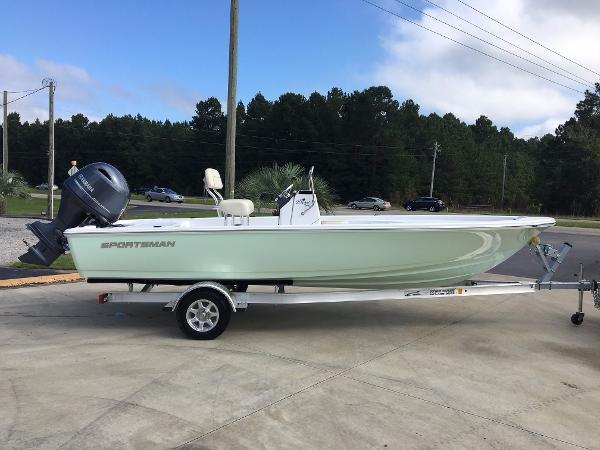 2017 Sportsman Boats Island Bay 20