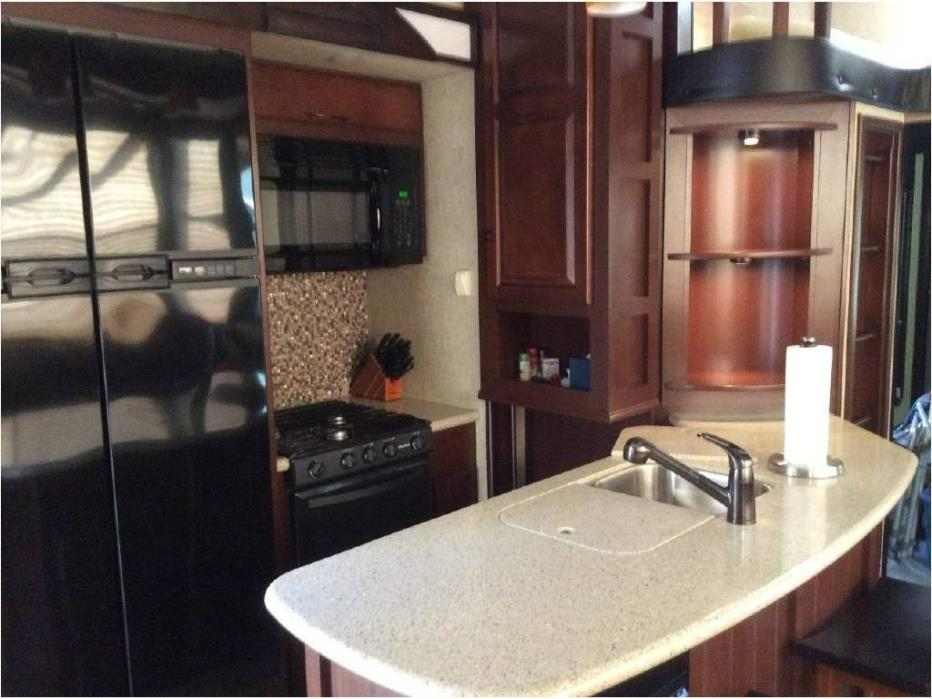 heartland cyclone 4100 king hd rvs for sale. Black Bedroom Furniture Sets. Home Design Ideas