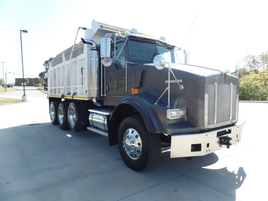 2005 Kenworth T800  Dump Truck