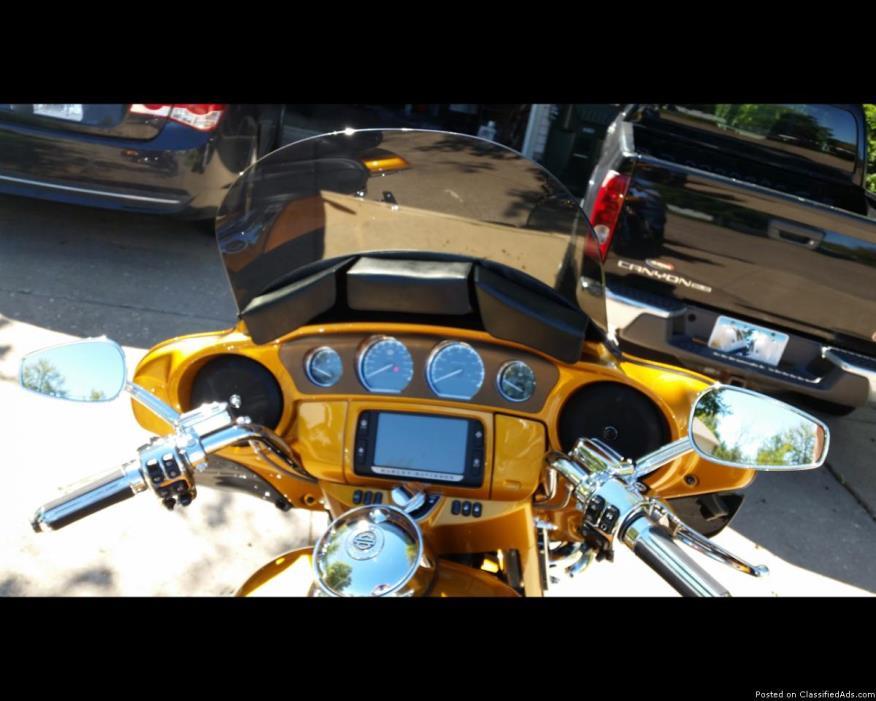 2015 Harley-Davidson Touring CVO Limited FLHTKSE