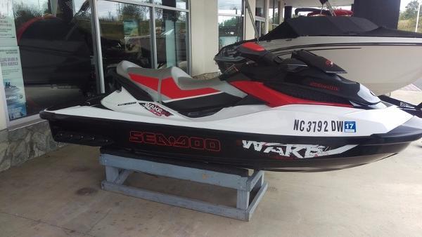2011 Sea-Doo Wake Pro 215