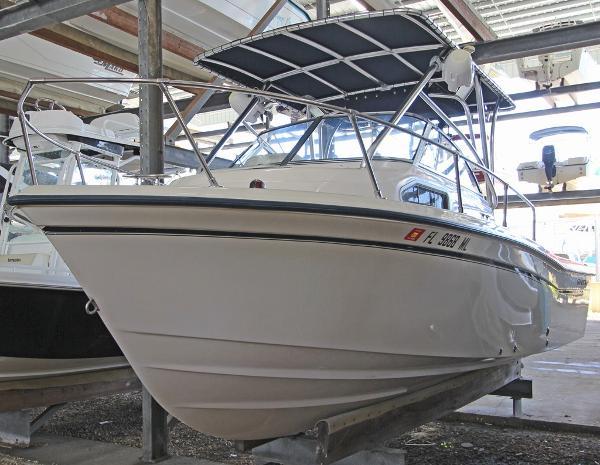 2004 Grady-White Seafarer 226