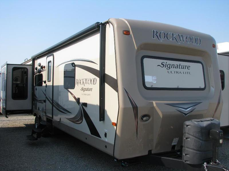 2015 Rockwood Signature Ultra Lite 8325SS