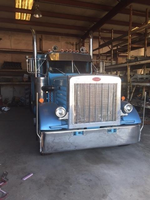 1987 Peterbilt 359exhd Conventional - Sleeper Truck