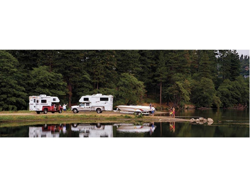 2008 Lance Truck Campers 992