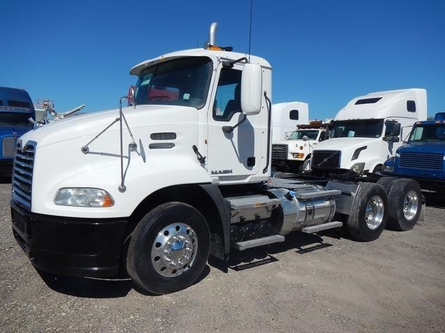 2011 Mack Vision Cx613 Conventional - Day Cab