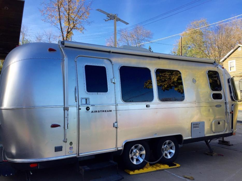 2010 Airstream FLYING CLOUD 23FB