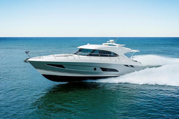 2017 Riviera 4800 Sport Yacht