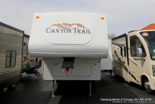 2004 Gulf Stream Canyon Trail 28FRBH Fifthwheel For Sale