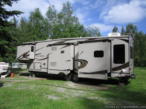2012 Forest River Blue Ridge 36Ft Fifthwheel For Sale