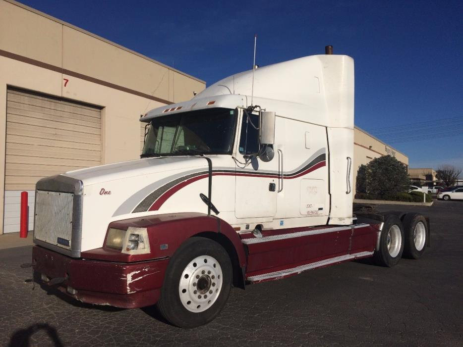 1994 White Gmc Wcs64  Conventional - Sleeper Truck