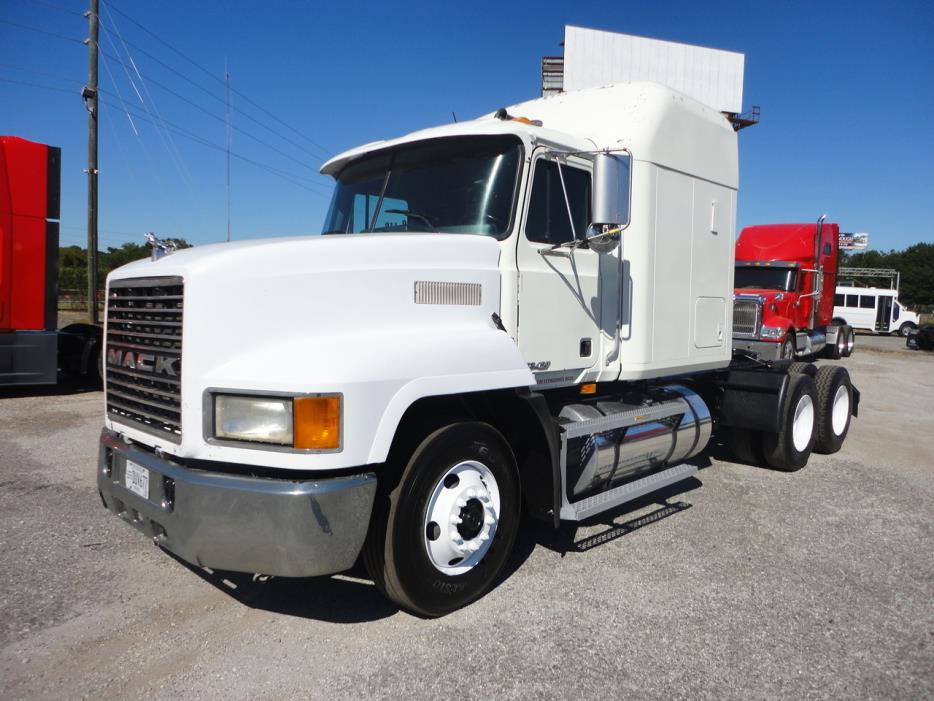 2000 Mack Ch613 Conventional - Sleeper Truck