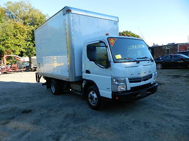 2014 Mitsubishi Fuso Fe Box Truck - Straight Truck