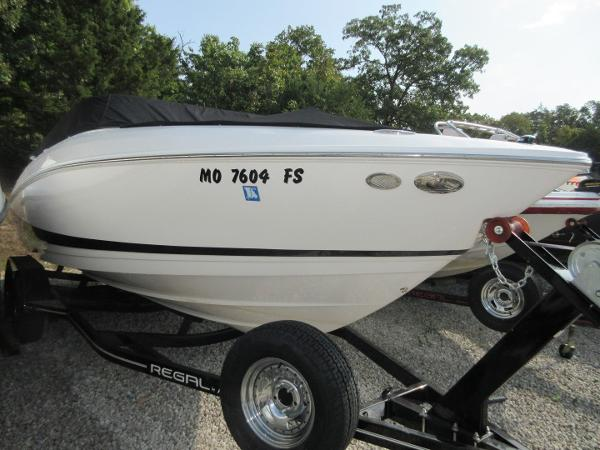 2011 Regal 2300 Bowrider