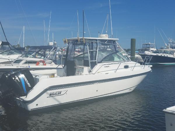 2003 Boston Whaler 275 Conquest