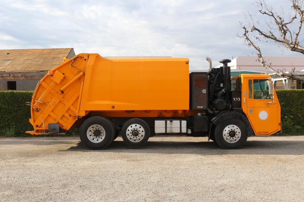 1999 C.C.C. Low Entry Garbage Truck