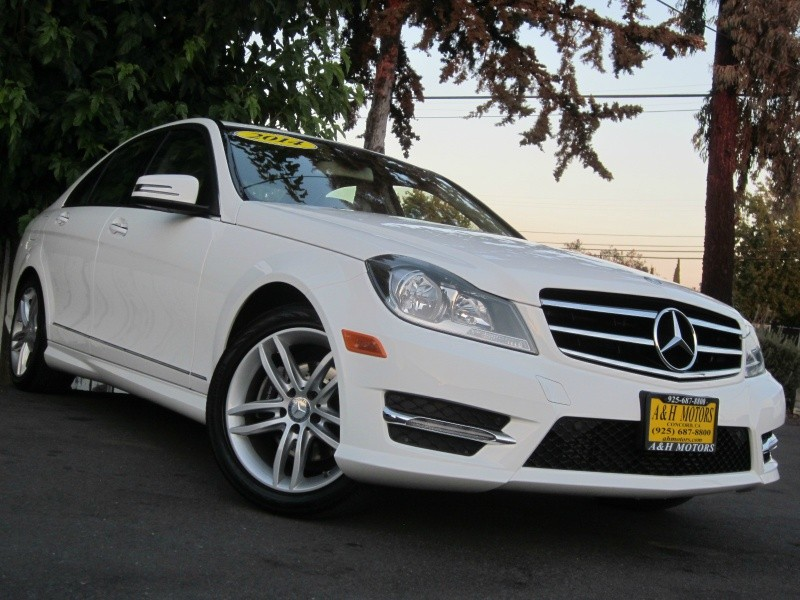 2014 Mercedes Benz C250 Sport White One Owner Navigation Backup Camera Heated Seats 41K Miles