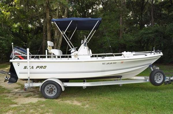 2003 Sea Pro SV1900CC Bay Boat