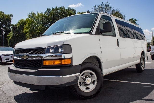 2016 Chevrolet Express 3500 Passenger Van