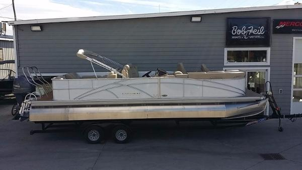 2014 Sylvan 8525 Signature Pontoon